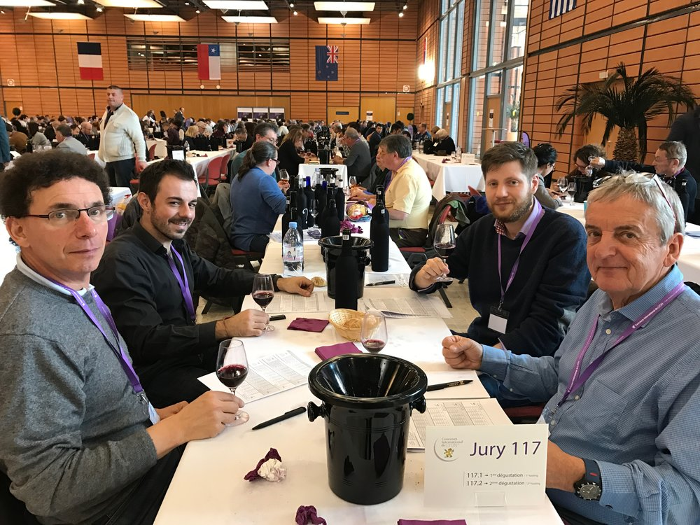 My mini tasting team @ Concours de Lyon 2017 - Languedoc and Swiss reds