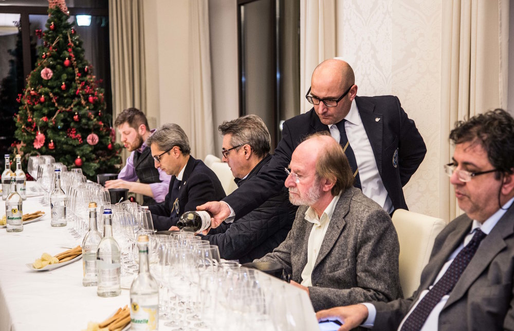 Tasting Fabio Mecca's wines with Southern Italy's top critics