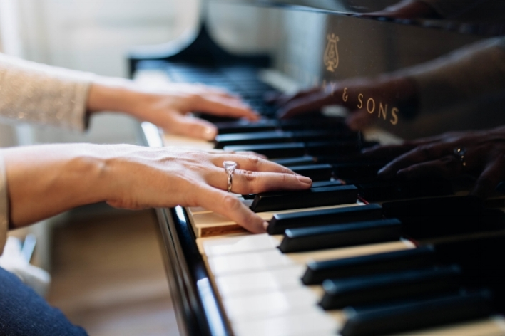 Private Piano Instruction - The Record Studio began offering private piano instruction in 1992. Since then, Kaarin has been guiding emerging pianists in the art of creative and elegant musical expression combined with proven pedagogy.