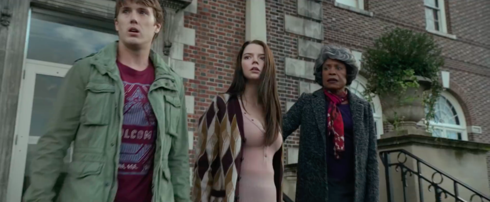 glass-2019-which-stars-anya-taylor-joy-as-casey-cooke-center-and-spencer-treat-clark-as-jo.png