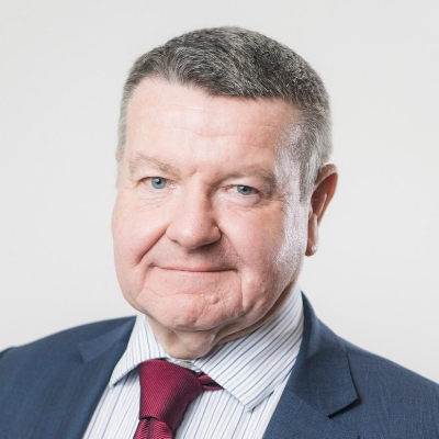 Julian Holloway - With 48 years in the finance industry and decades of the board level experience, Julian is well known in the insurance sector.As an FCA approved director he brings invaluable regulatory and industry insight to the team.