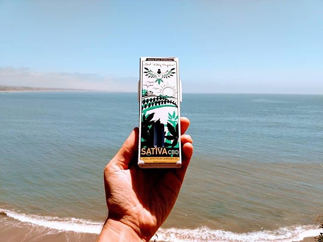 Loving the refreshing design on our crps! . #Repost @birdvalleyorganics ・・・ While our Indica CBD Full-Spectrum Oil will help you cozy into the evening & sleep like a baby 👼👶, our Sativa CBD is quite refreshing & replenishing, like jumping in the Pacific Ocean 🌊✨ Get yourself a half gram to both brighten your day and get a healthy dose of super beneficial cannabinoids .. dab it, eat it or add it to your flowers!