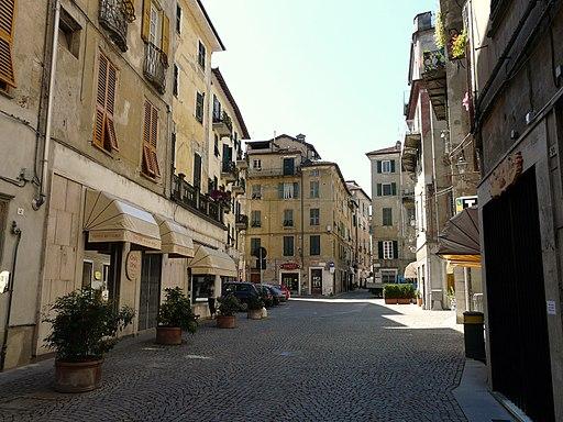Ovada-piazza_Giuseppe_Mazzini.jpg