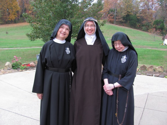 sttheresewithtwocpnuns2014.jpg