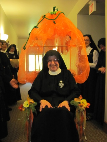 Have you ever seen such a fantastic Pumpkin Carriage?