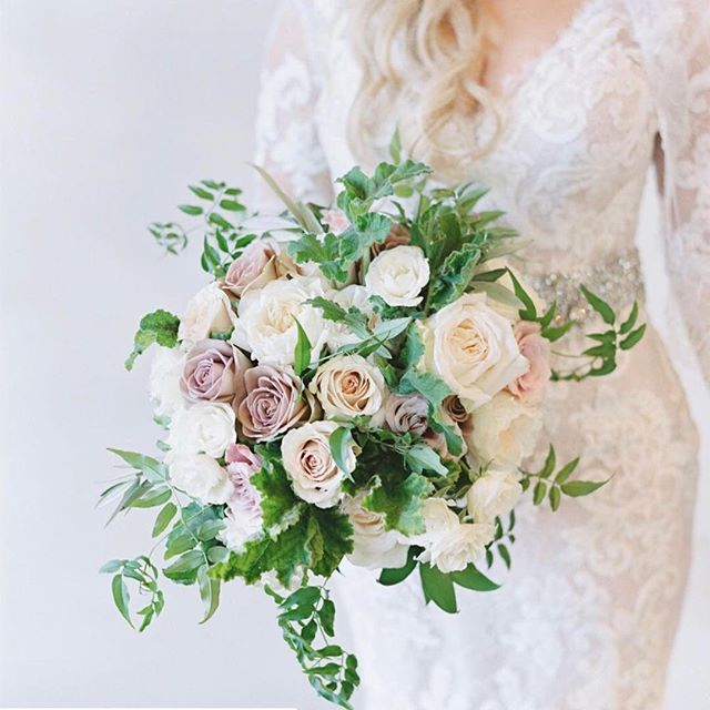 #Repost @kellyottmartin18 with @get_repost ・・・ Pastel perfection ✨ @flowerstudio 📸 @laurenfair @inaweweddings @troonccweddings #azflorist #arizonaweddingflorist #arizonaweddings #bride #bridalbouquet #weddingsinthedesert🌵 #scottsdale #arizona #weddingflorist #floristsofinstagram #scottsdaleweddings