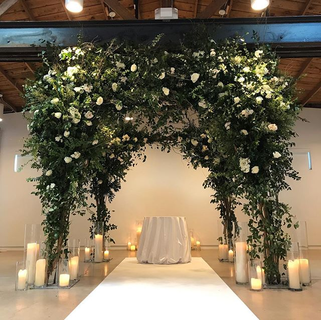 """Love is a canvas furnished by nature and embroidered by the imagination."" —Voltaire #flowerstudioaz #azflorist #weddingflowers  #weddingflorist #luxurywedding #weddingsinthedesert #bride #weddings #customfloraldesign  #customweddings #itsallinthedetails #weddingseason  #love #style"