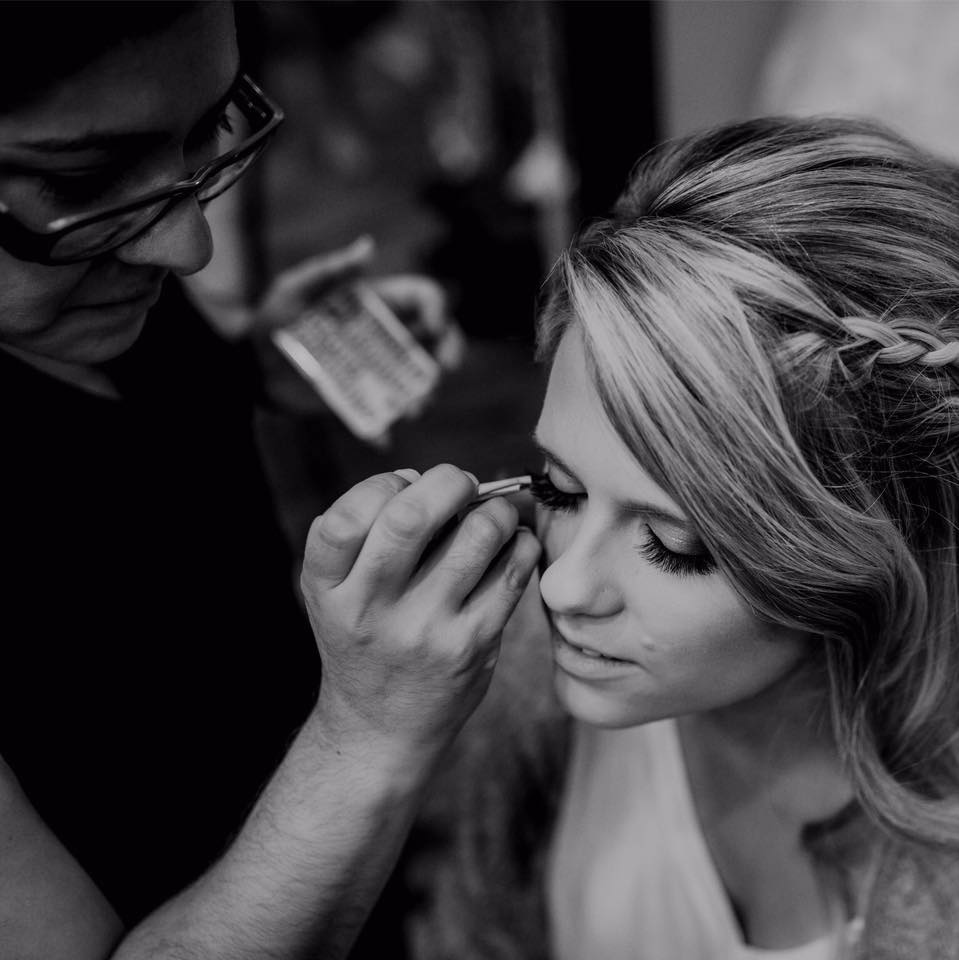 Hi there, I'm Claudia - I have been in the makeup industry for 6 years and counting. I was born and raised in the great city of Chicago, Illinois, but now live in Texas. I'd love to help you create the perfect look for your wedding or styled shoot!Read more...