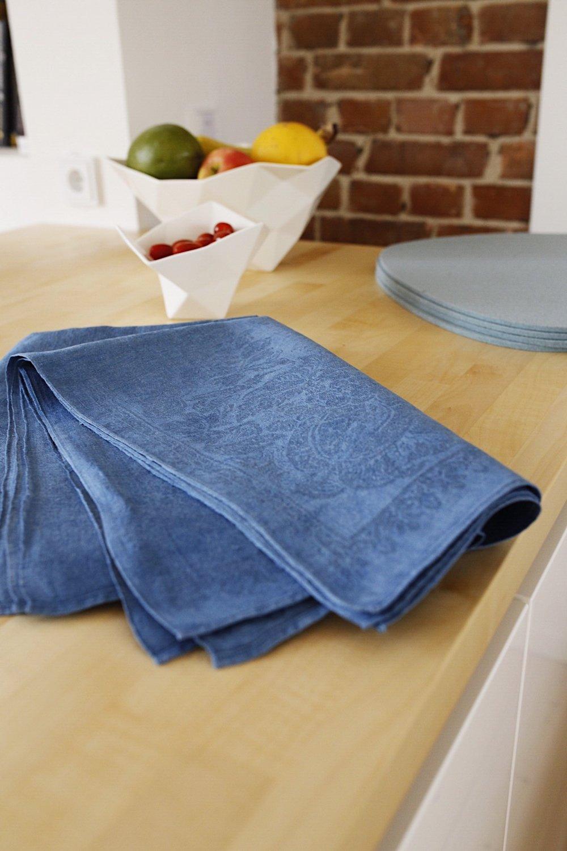 Indigo-dyed fabric
