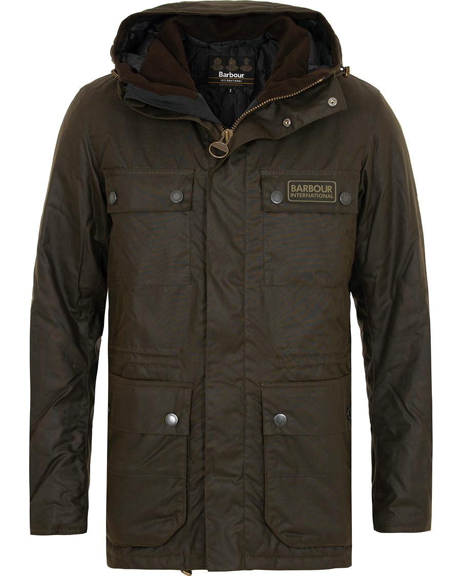 Barbour Imboard Wax Jacket Olive - Denne klassiske oilskin jakken fra Barbour International er perfekt for norske forhold.NOK 4599