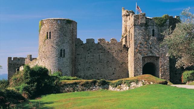 manorbier castle.jpg