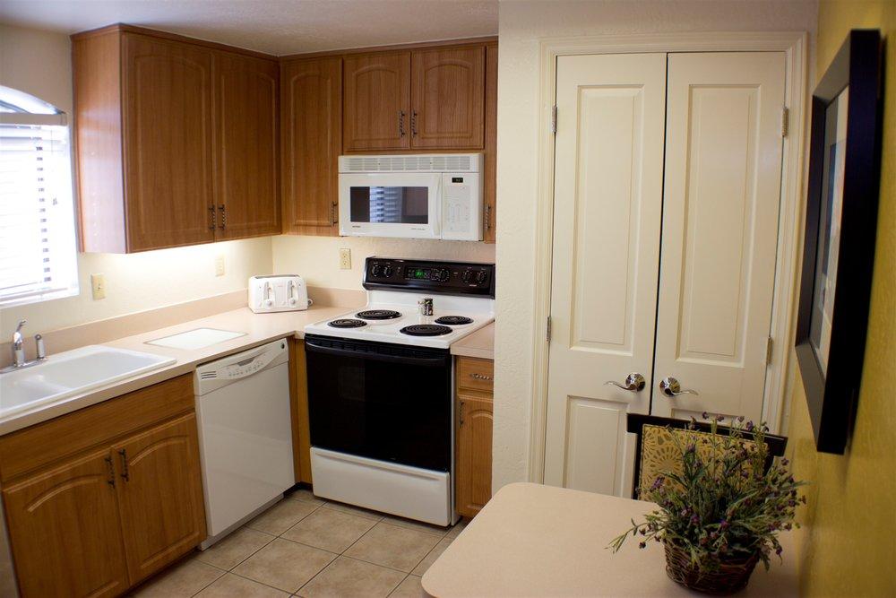 maderia-kitchen.jpg.1920x0.jpg