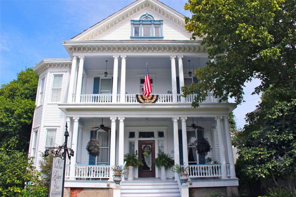 Bisland House Bed and Breakfast  - (601)304-5806 View Website   3 Guest rooms with private bathsOffers Gift CertificatesChildren 3 + years welcomeDowntown LocationMotorcycle Friendly