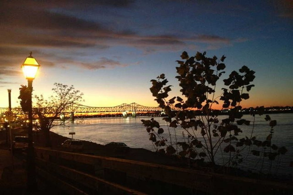 Bluff Top B & B - (601)304-1002 View Website3 guest rooms with private bathsLocated on the Mississippi BluffsWalking Distance to downtown Natchez