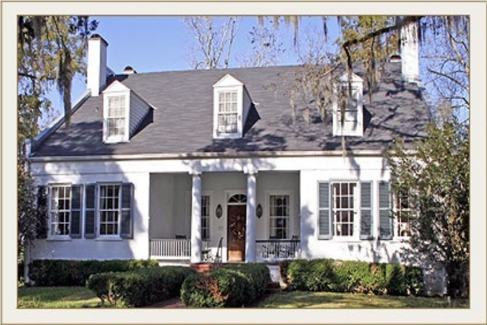 Cedar Grove Plantation - (601) 445-9894View Website4 Guest Rooms with private bathsCountry SettingChildren WelcomePet FriendlyNatchez Bed & Breakfast Country Style!