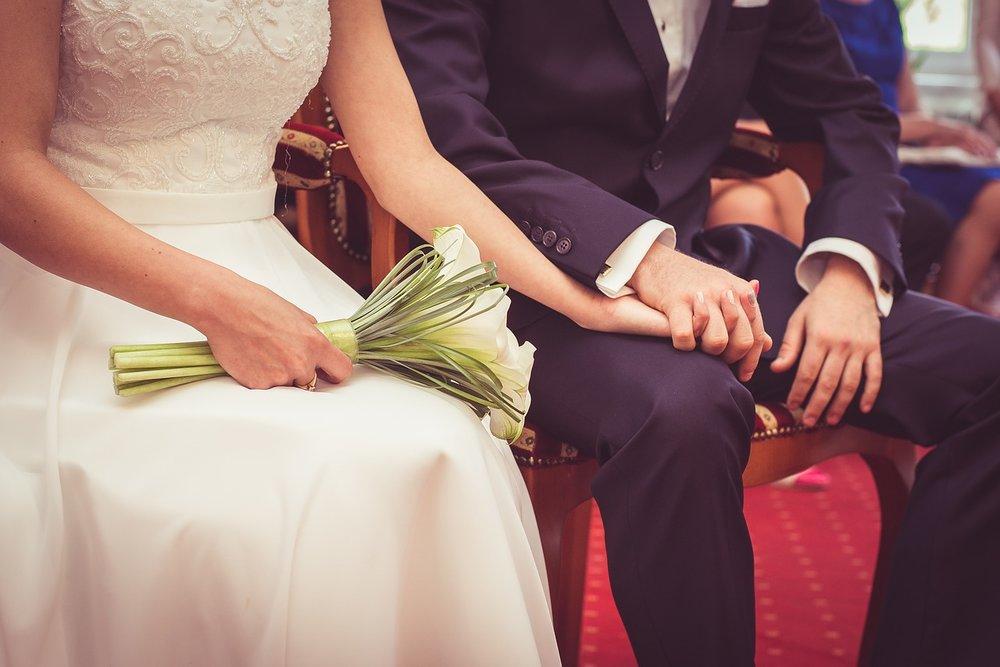 wedding-997605_1280.jpg