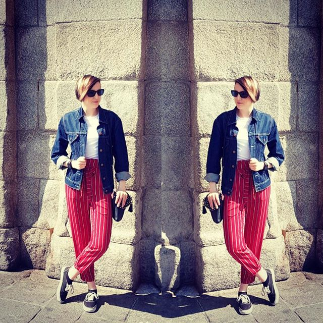 SB Laura isn't the only one who has. been on holiday recently. SB Corrine has been living it up in Spain exploring and enjoying a spot of shopping in Madrid and A Coruña! These striped paperbag trousers from @pullandbear were the first purchase of the trip. Full write up to feature on the blog shortly! #ootd #instatravel
