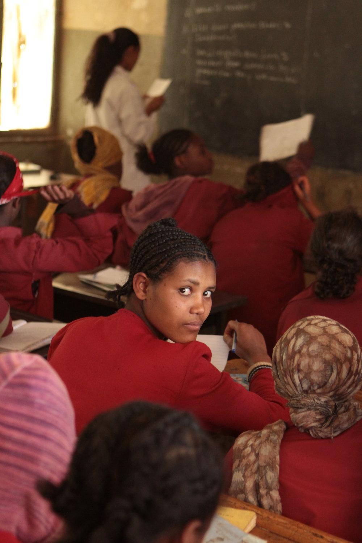 8TH GRADE STUDENTS FROM ADDIS BREHAN SCHOOL ATTENDING TUTORIAL CLASS (1).JPG