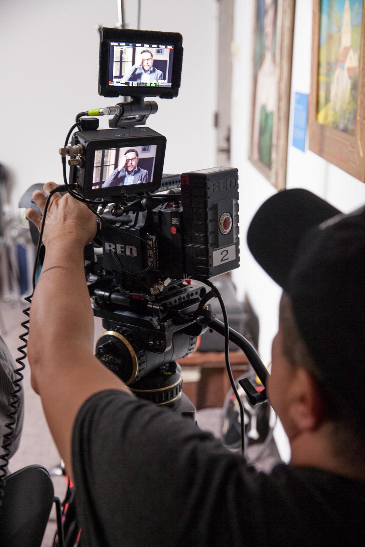 DP Sergio Ulloa Filming Salo Maya-EoE-©SDHC:Cinewest.jpg