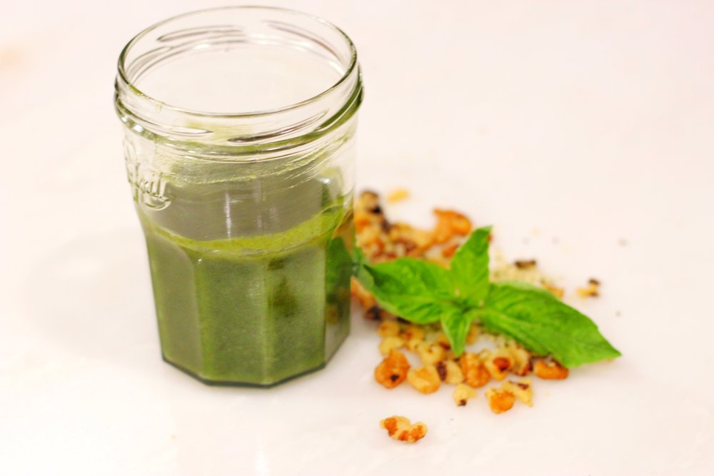 Pesto.jpg-dairy-free-pesto-flavor-clean-eating-sauces