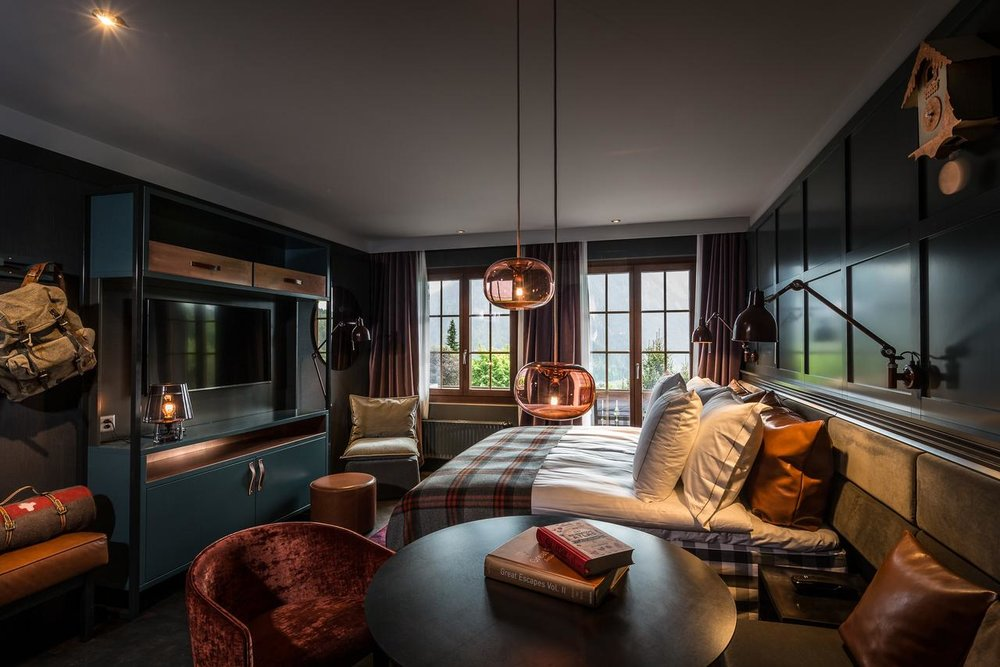 HUUS- GSTAAD- LUXURY BOUTIQUE HOTEL- VOYAGER CLUB