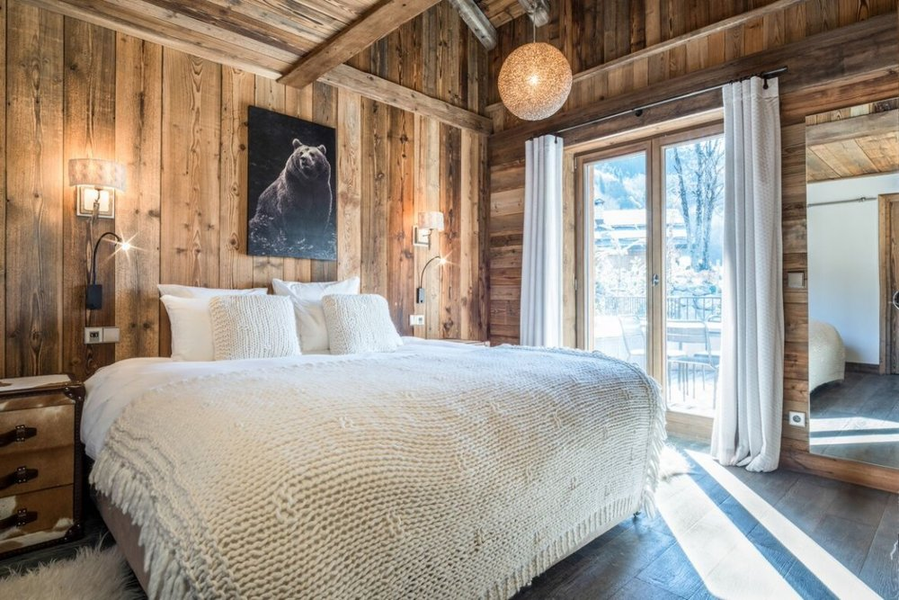 CHALET CERF ROUGE- MERIBEL- FRANCE- VOYAGER CLUB