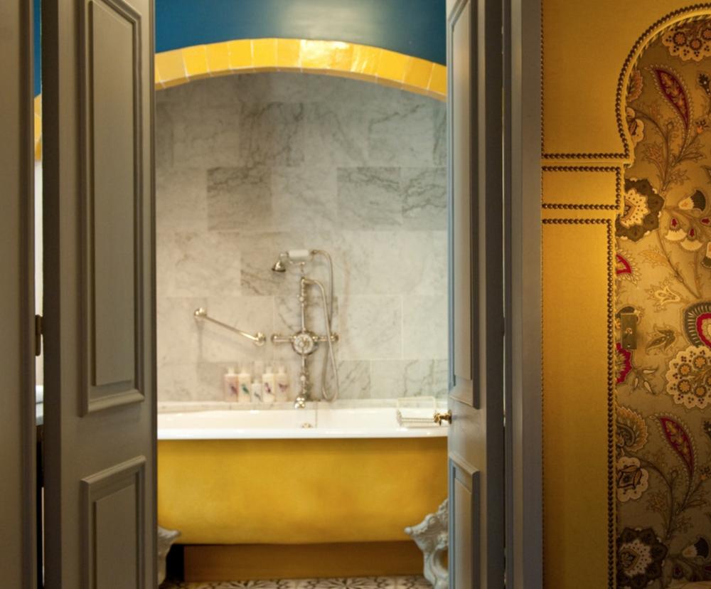 L'hotel Paris- Voyager Club- Hidden Gem