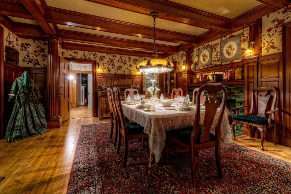 The dining room at the Murdock Whitney House.jpg