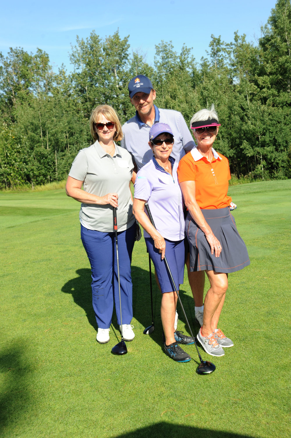 __Golfer Group shot with Ladies.jpg