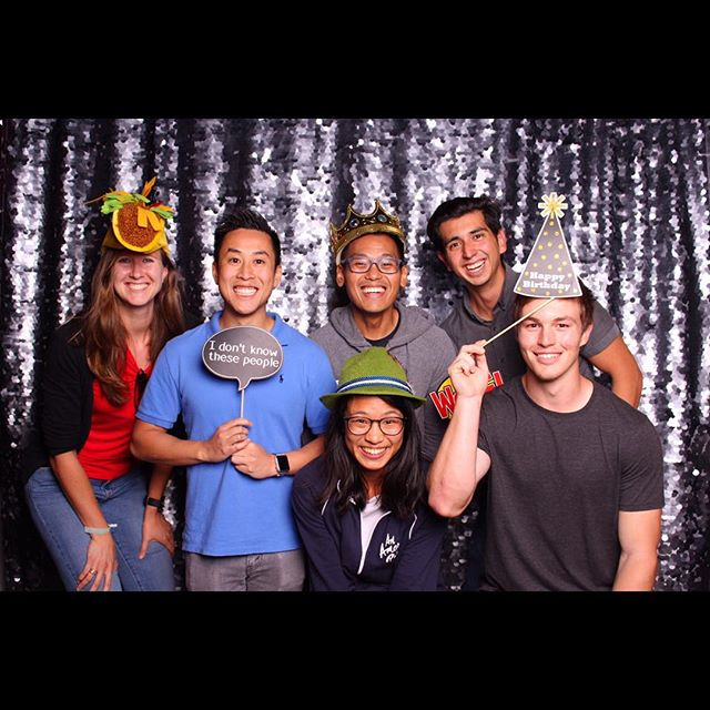 Who doesn't love photobooths?! Book Das Booth for your next event today! #photobooth #dasbooth #fun