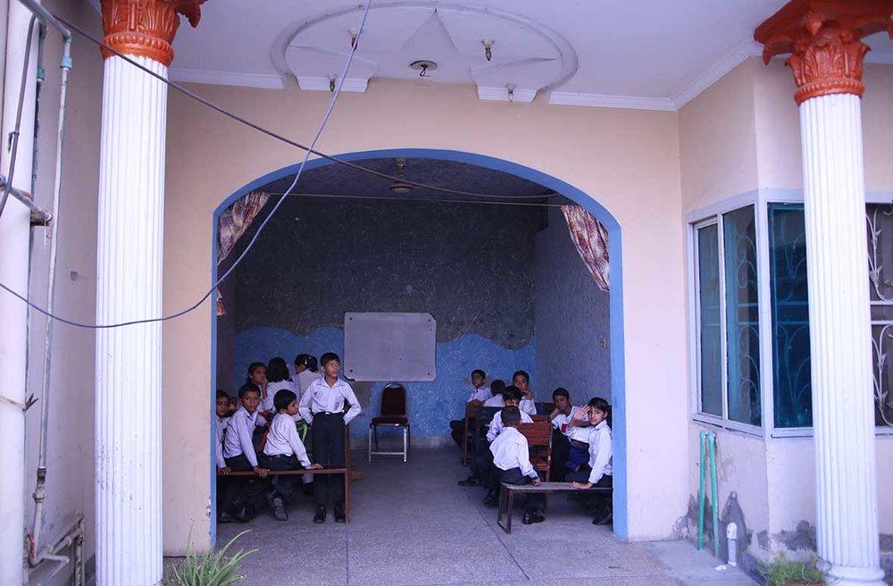 SCHOOL001.jpg