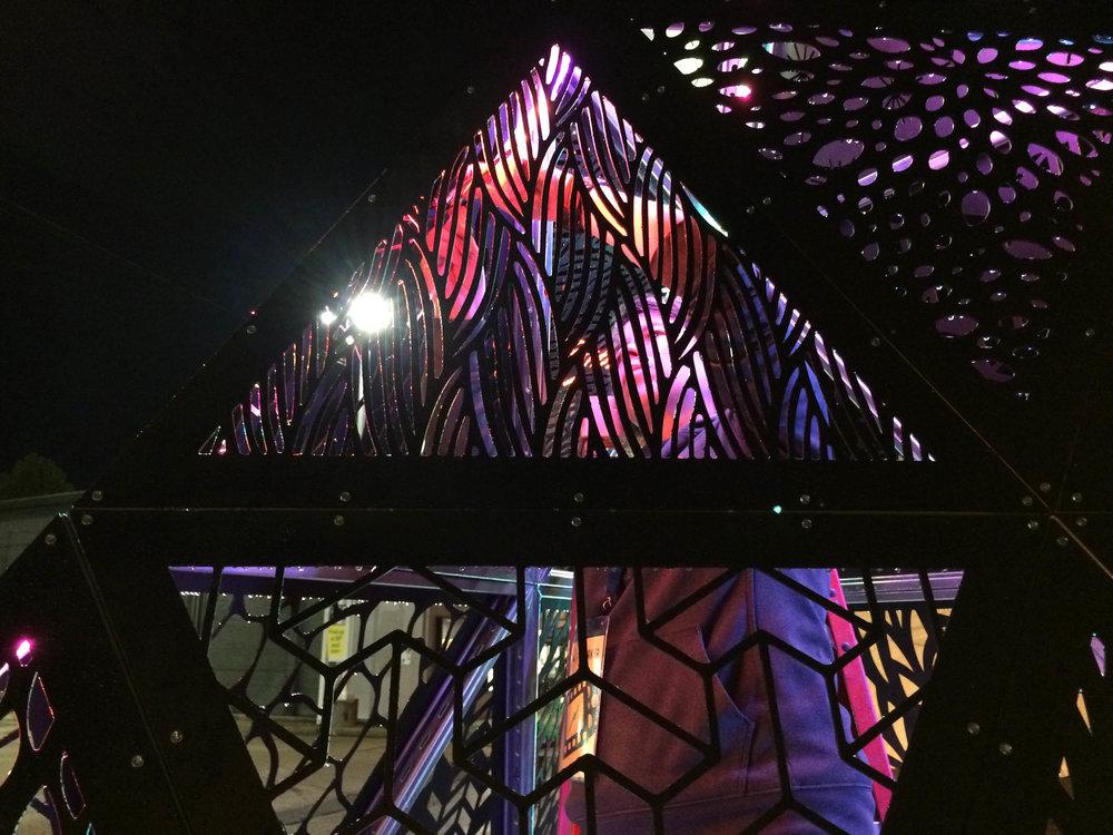 MOD 1 Tetrahedron Indie Memphis 0002.jpg