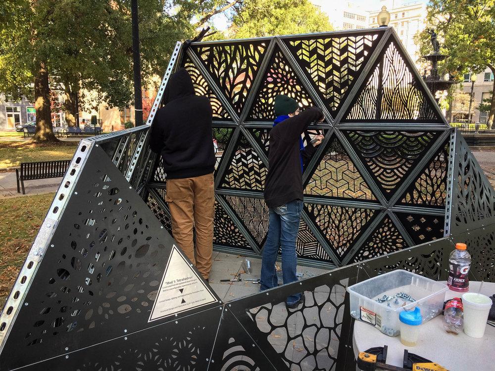 MOD 1 Tetrahedron Downtown Installation 0007.jpg