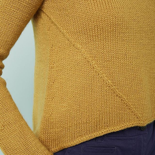 I really love this detail on Converging  Lines - my latest design for @knitnow using @westyorkshirespinners BFL 💛 ... . I feel so honoured to have my work in this publication and I do love the Bluefaced Leicester yarn. It's just so fantastic to knit with. I'm looking forward to indulging my passion for great British Breeds in a few weeks time at @edinyarnfest 💕 . What's your favourite breed to knit with? . #knitsharelove #knittingismylovelanguage #knitnowmagazine #westyorkshirespinners