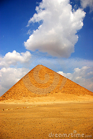 The Pyramid Effect: Benefits of ISO Standards for SMEs -