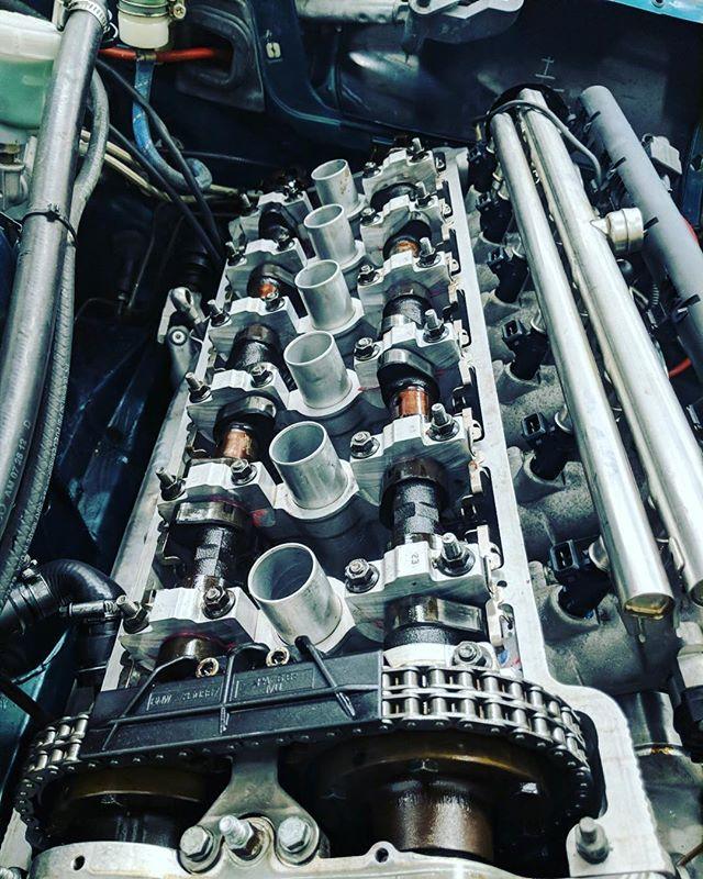 🏎🔧 Today's job: Carrying out a valve shim adjustment after completing the refresh build on a #S54 motor. #engine #rebuild #fastcar #bmw #e36 #racecar #morethanjustacar #morethanjustaservice #btuned