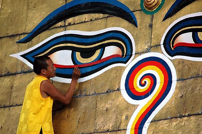 buddhas-eyes-in-nepal-1