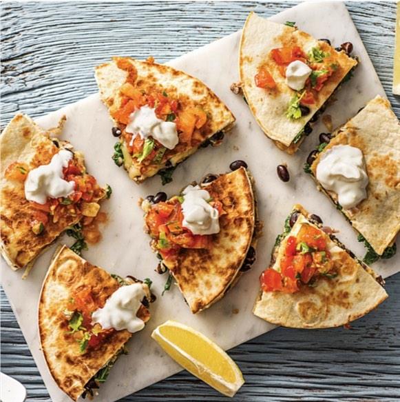 The perfect healthy cheat meal! Quesadillas from @casalatina_uae are just the perfect treat! . . . #UrbanRetrEAT #UrbanRetrEATme #FoodIncubator #YouCANEatWithUs #AbuDhabi #Foodie #UAEblogger #Foodgram #InstaFood #UAE #YasMall #YasIsland #Sweet #Dessert #SeaFood #Burgers #Coffee #Dessert #Quesadilla #Milkshake #Mojito #Summer #Drinks #Waffles