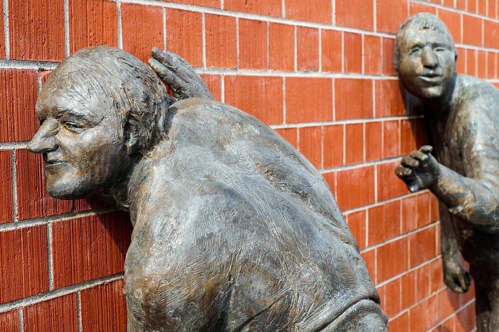 sculpture-2209152_1280.jpg