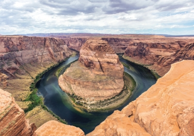 horseshoe-bend-1630528_1280.jpg