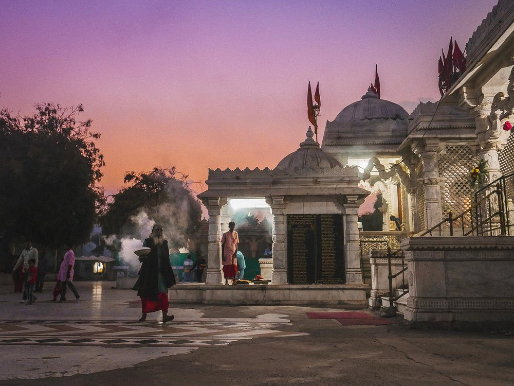 We wandered back to Becharaji Temple to watch sunset. It was definitely worth it, as not only was it stunning…