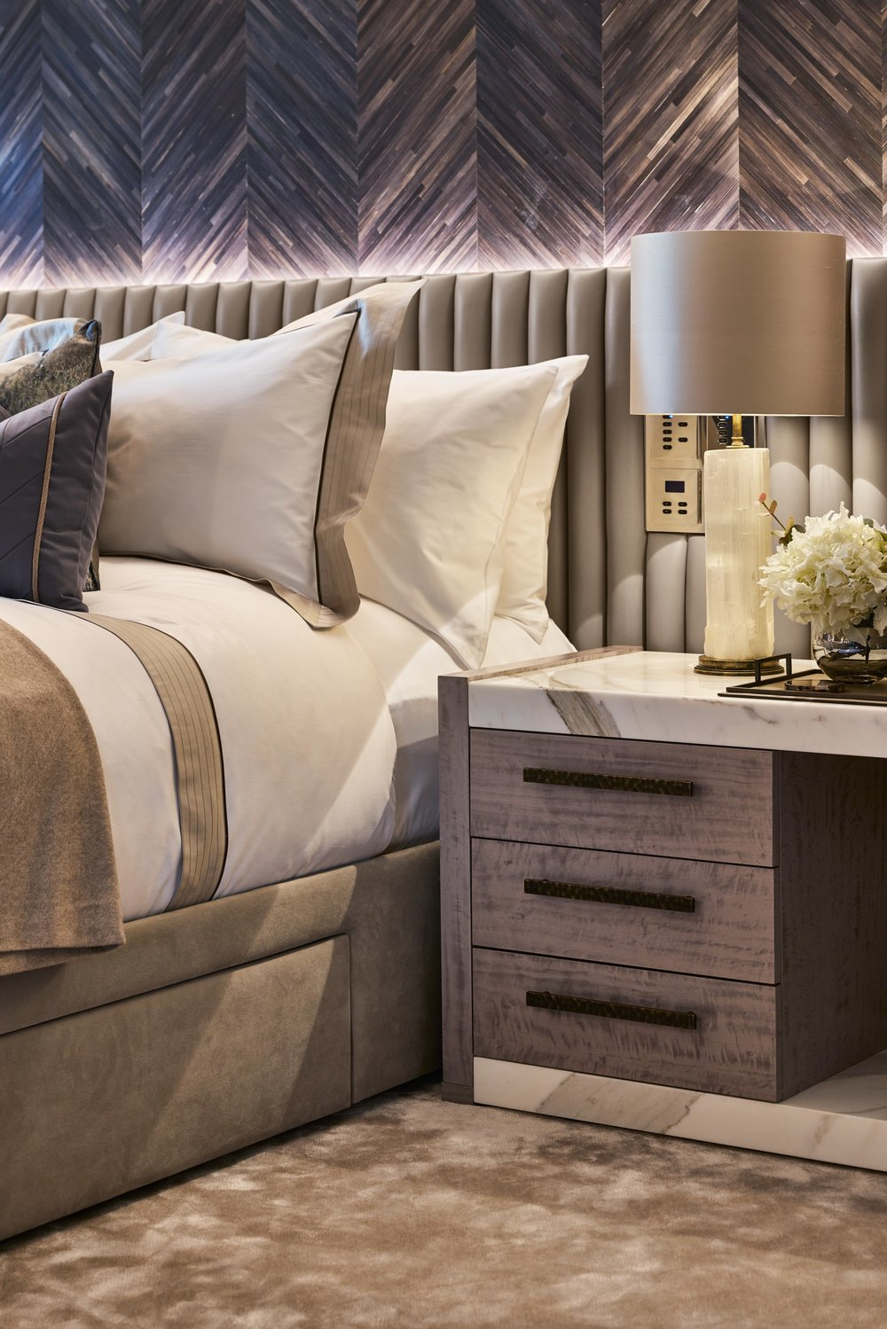 HOW TO STYLE YOUR BEDSIDE TABLES   View Post
