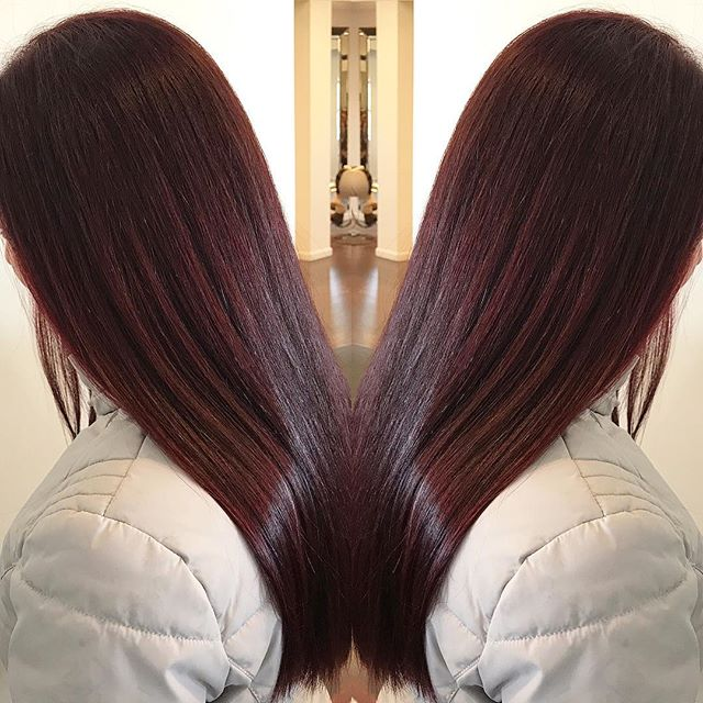 Check out this gorgeous valentine chocolate cherry color done by Glenda! So shiny and so smooth! We can't stop staring! ❤️🥰🍫🍒 #loveisinthehair #beautifulbrunette #wheresyourheadat #valentineshair #bemine