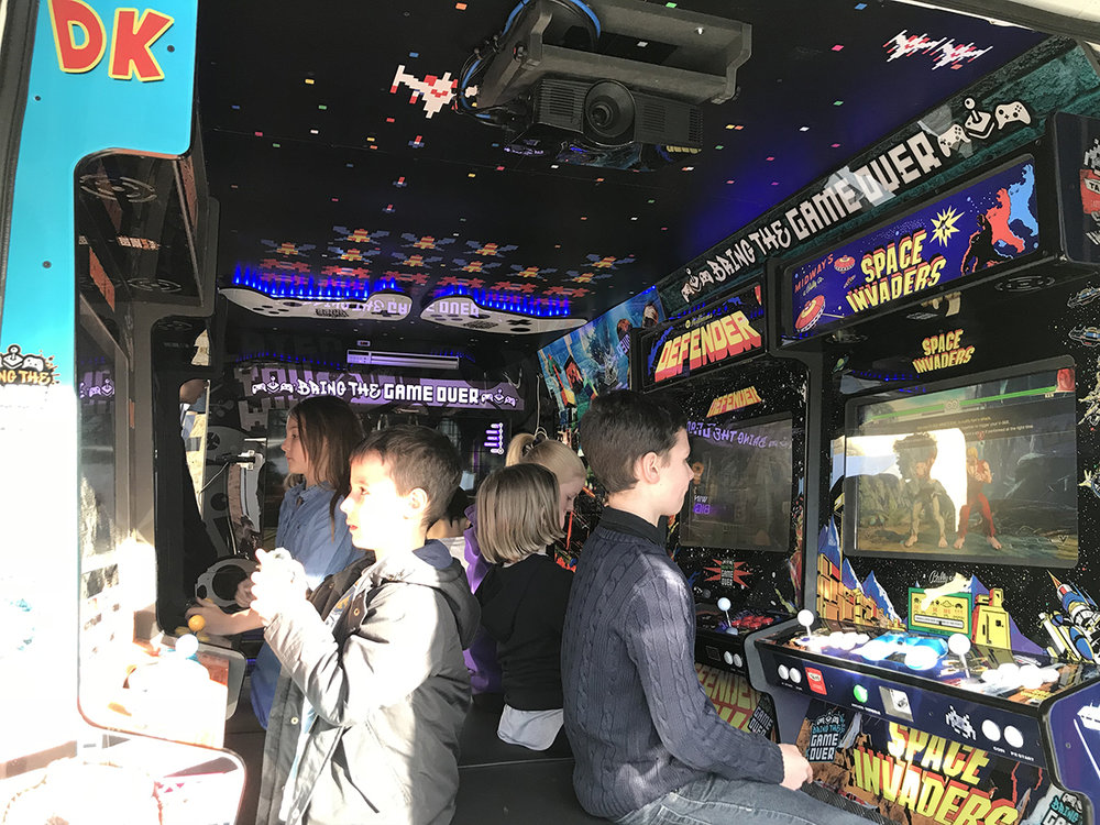 gamers-party-bus.jpg
