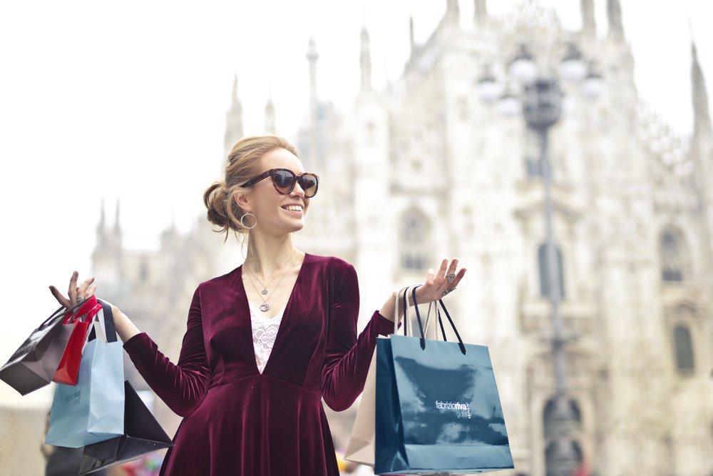 Girl shopping.jpg