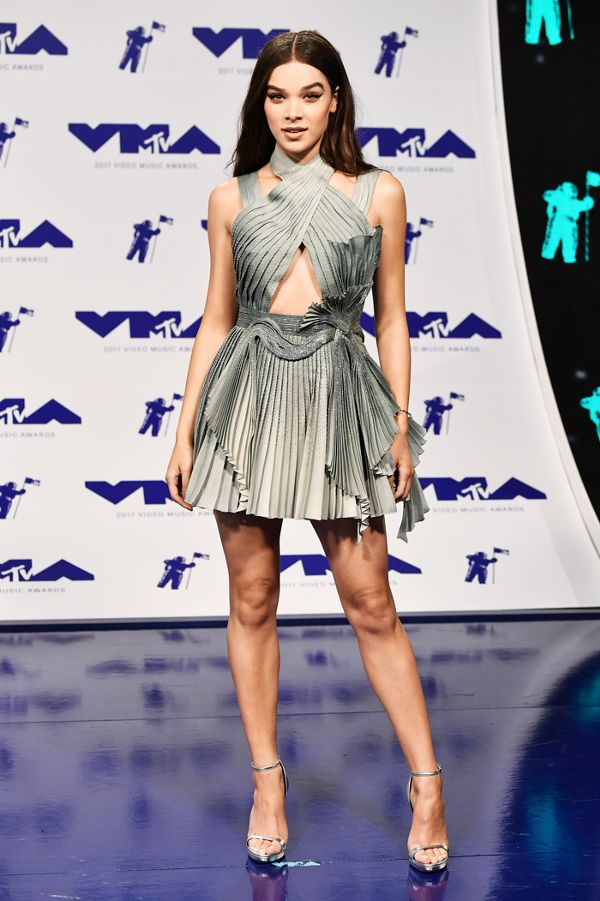 mtv-video-music-awards-red-carpet-2017-233632-1503878799236-image-1.600x0c.jpg