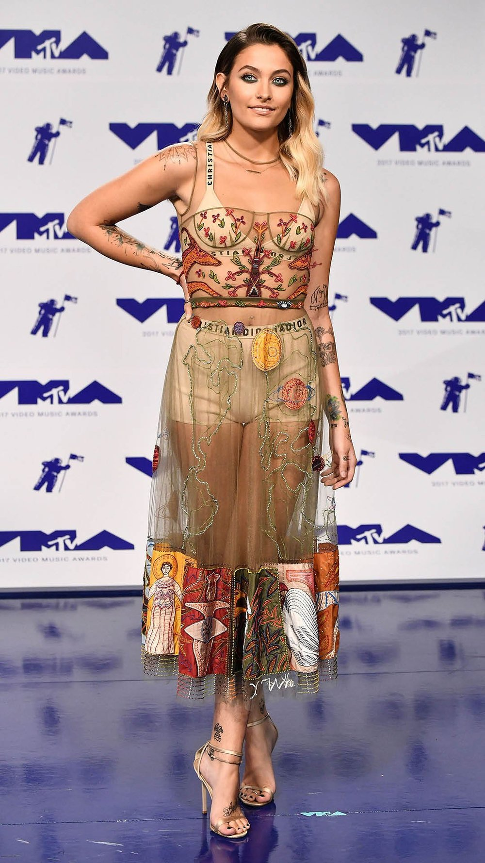 mtv-vmas-2017-best-dressed2.jpg