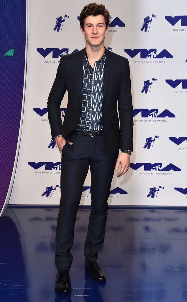 rs_634x1024-170827162905-634-sean-mendes-mtv-vma.jpg