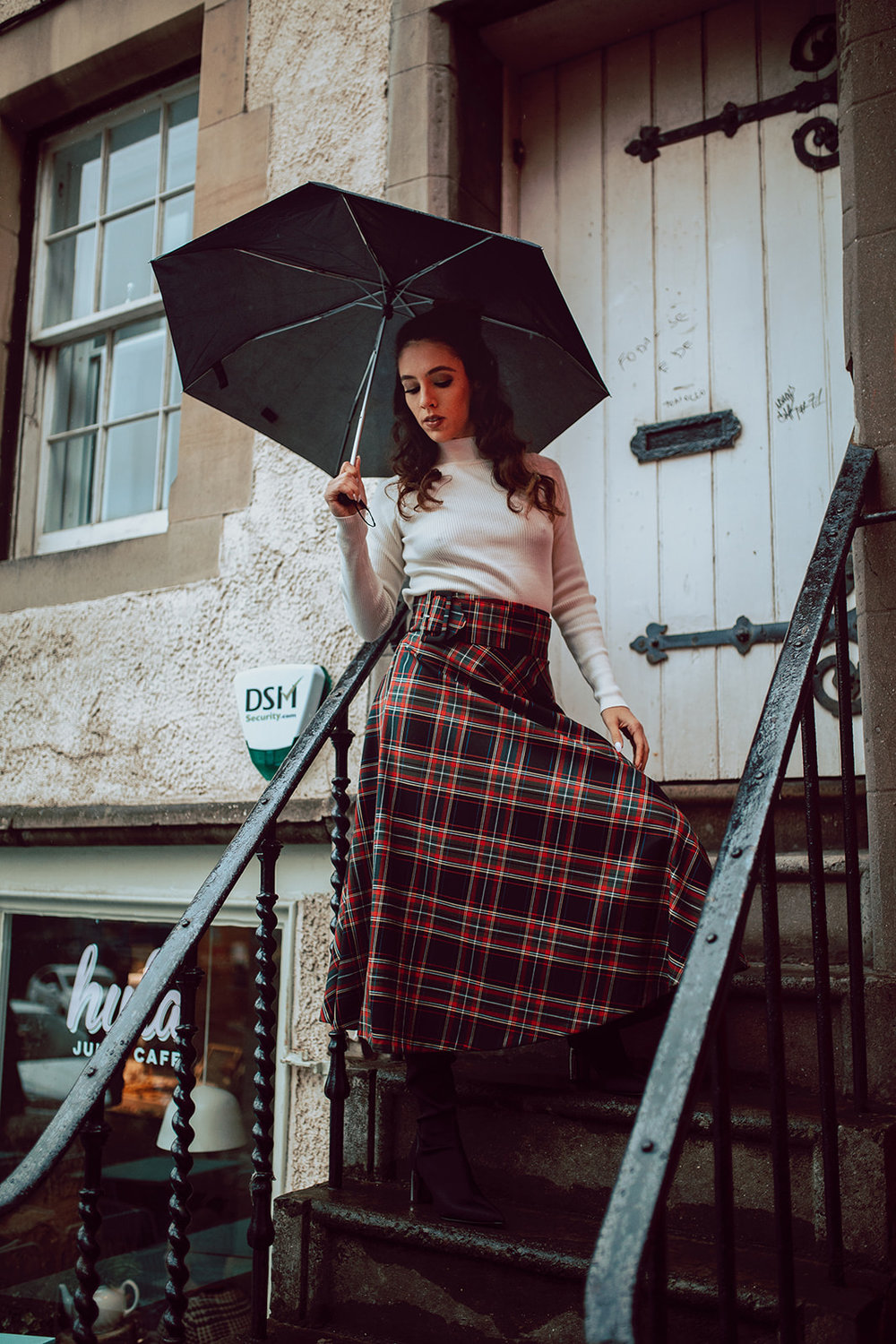 Edinburgh photographers Old Town photoshoot (40).jpg