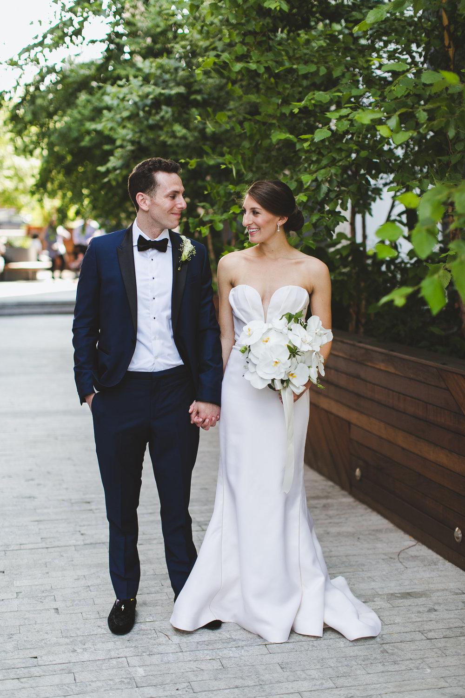 sophisticated-brooklyn-wedding-greenpoint-loft-IG26.jpg